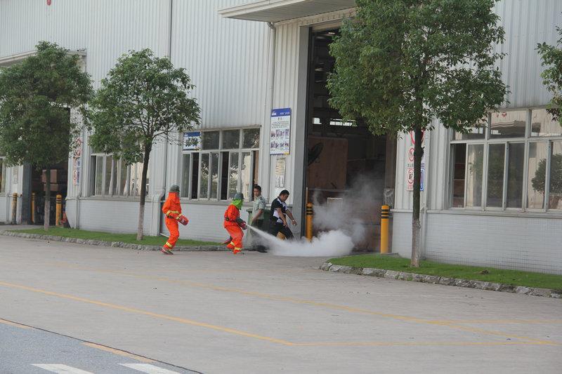市公安消防支队联合广日工业园开展消防应急演练